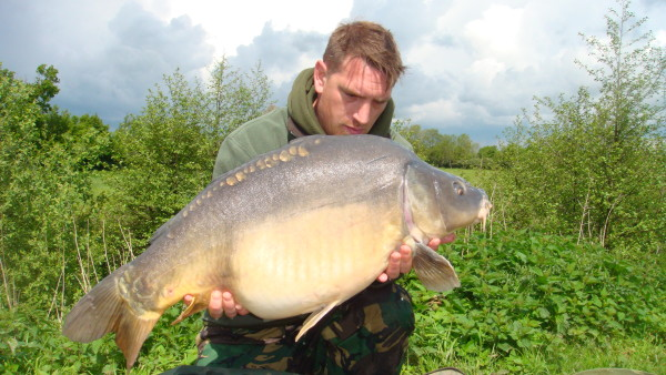 carp lake senior personals Success at road lake,  elliott gray reveals how his extra-sharp hooks catch him more carp  elliott gray on singles when is just a hook bait the best .